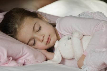 可爱小孩哭泣图片唯美